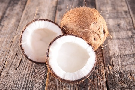 <h1>Why Everyone (Prepper or Not) Needs Coconut Oil</h1>