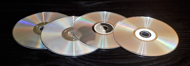 <h1>5 Awesome Survival Uses For Old CDs and DVDs</h1>