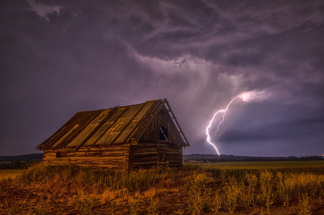 Rural vs. Urban Prepping: Which Is Better When SHTF?