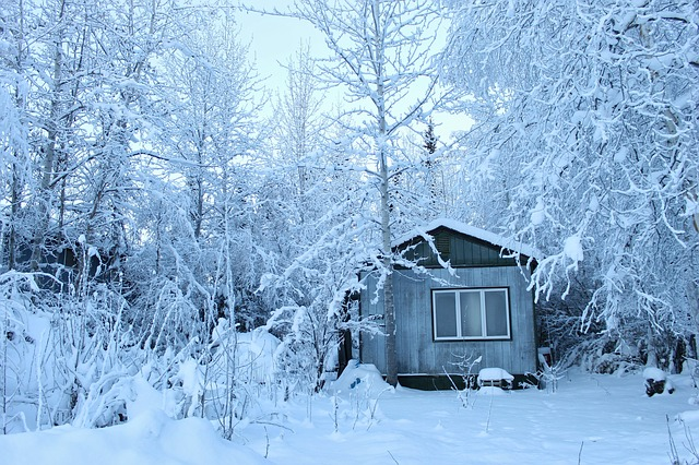 10 Things You Need To Know Before Going Off-Grid