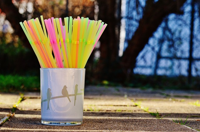 survival uses for straws