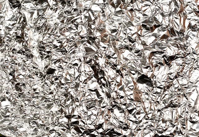 23 Weird Survival Uses For Aluminum Foil
