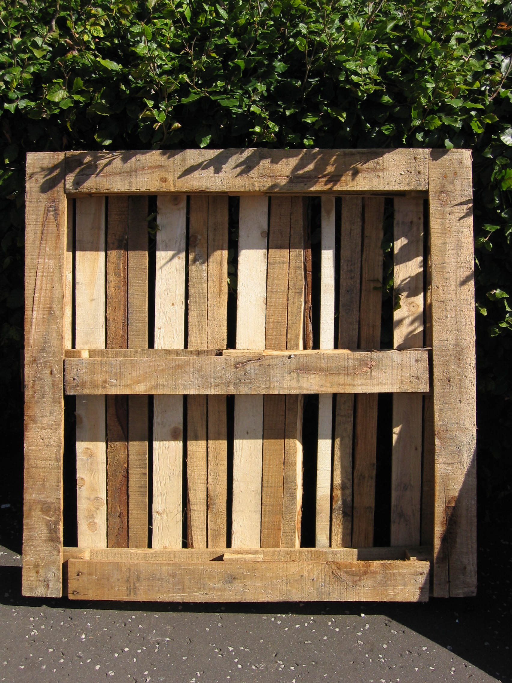 <h1>7 Amazing Uses For Wood Pallets</h1>