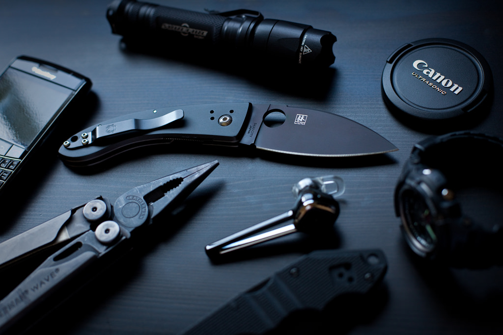 The Pros and Cons of an EDC Kit